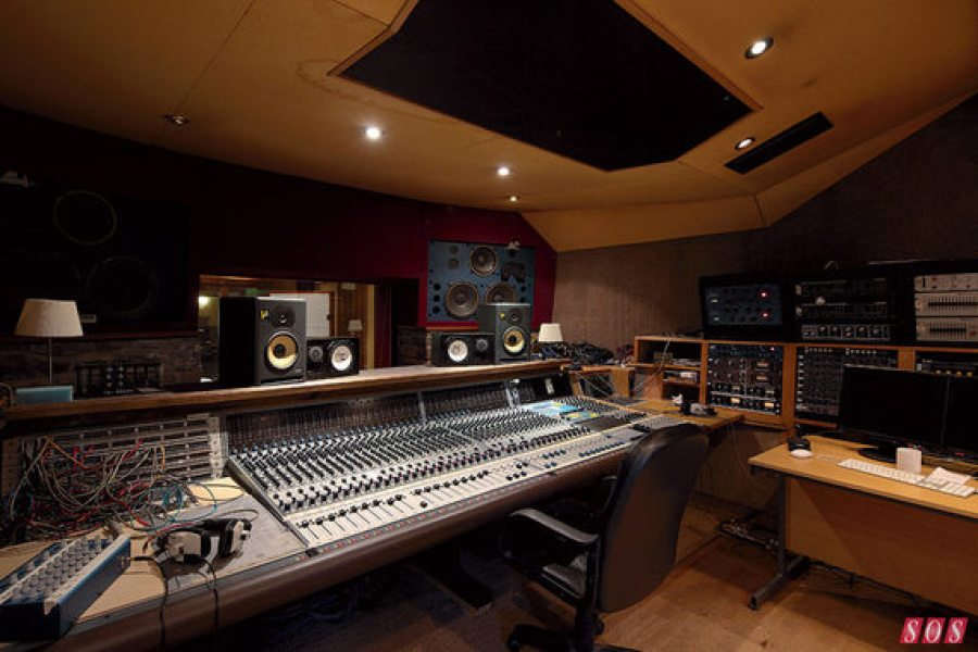 The Coach House control room is centered around aNeve 8128 console, accompanied by eight vintage Neve 1061 modules.