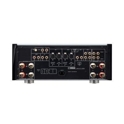 Yamaha A-S3200 è un amplificatore integrato retro