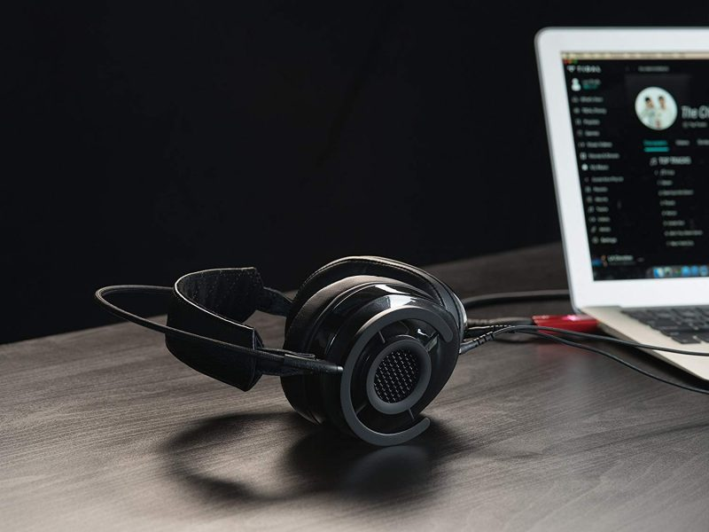 Get This High-End Audiophile Headphone At A Bargain Basement Price!