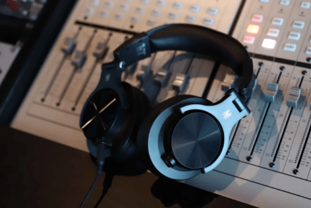 OneOdio A70 Bluetooth Over Ear Headphones, Studio Headphones