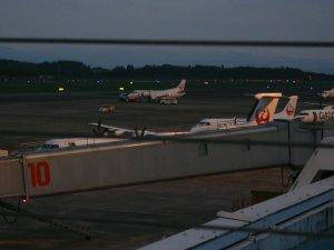 鹿児島空港のプロペラ機
