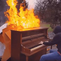 Season 2 - Episode 47 - Piano