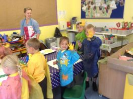 Reception paint Sunflowers by Van Gogh - June 2015[12]