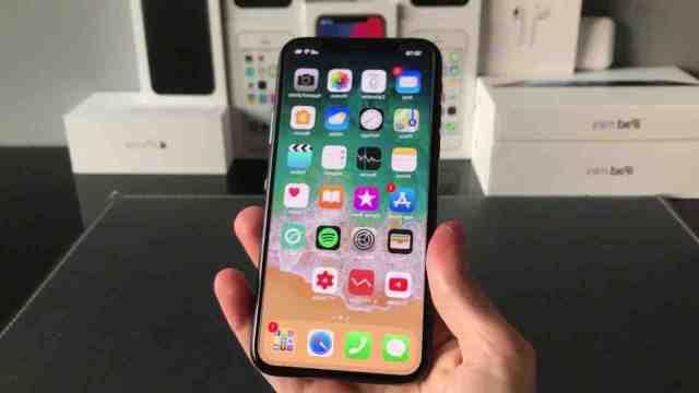 Comment ouvrir l'iPhone 12 mini ?
