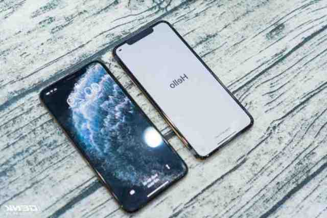 Does the iPhone 11 Pro Max come with?