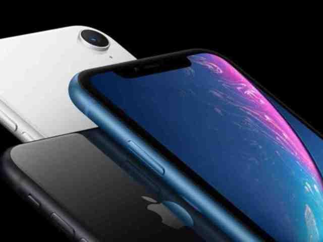 Est-ce que l'iPhone XR est compatible avec iOS 15 ?