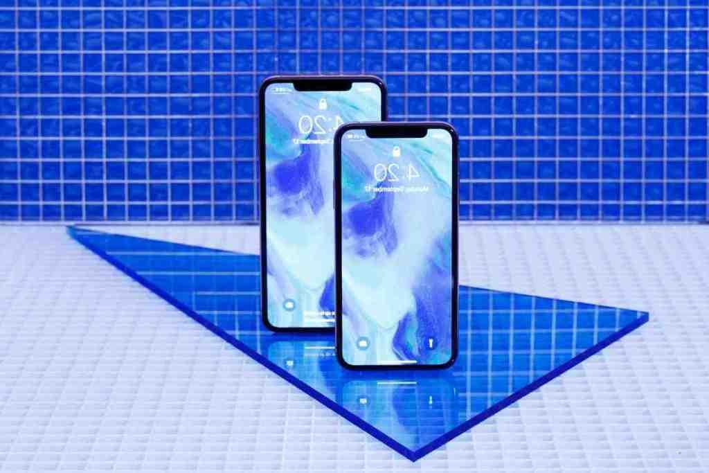 L'Iphone xr redémarre sans cesse avec le logo de la pomme.