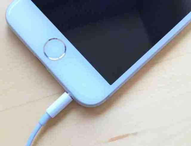 Ou Branche-t-on les ecouteurs sur iPhone 8 ?