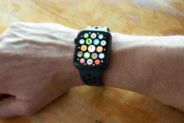 Quelle Apple Watch compatible avec iPhone 11 ?