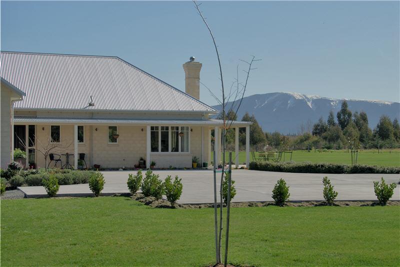 Farmhouse Okuku High Country Homes