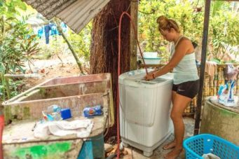Costa Rican laundry - Higher Tides