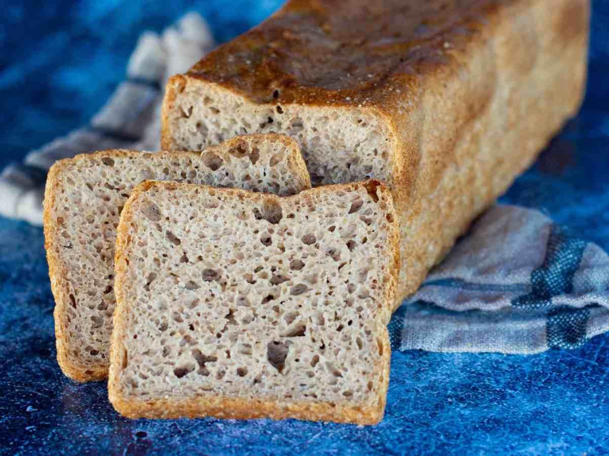 image of sliced semi-rye sandwich sourdough loaf recipe