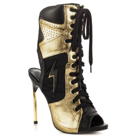 Dawn Richard sneaker heel