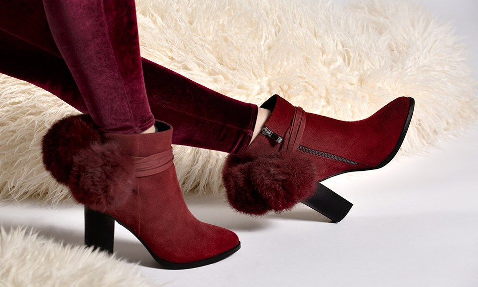 boots with removable pom poms