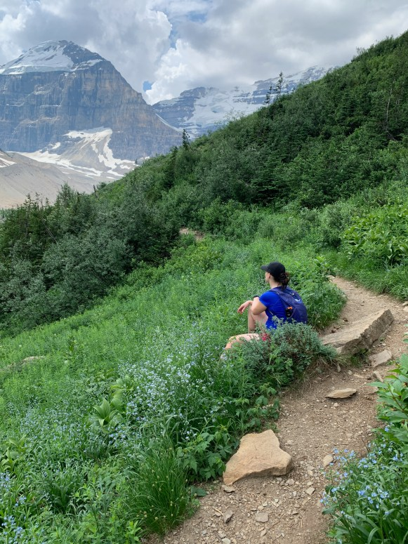 hike to the plain of the six glaciers
