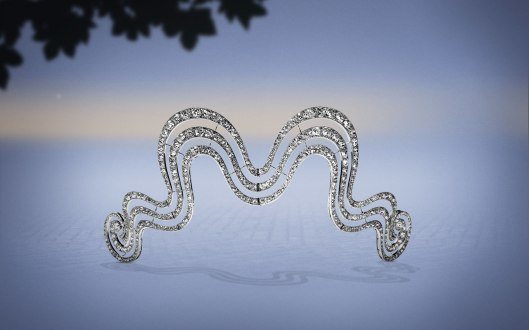 1902: This hair ornament in platinum and millegrain-set old- and rose-cut diamonds was sold to Mrs William Field in 1902