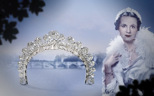 1934: The Begum Aga Khan, the third wife of Mohamed Shah Aga Khan III, ordered an Egyptian-inspired tiara from Cartier London in 1934. 