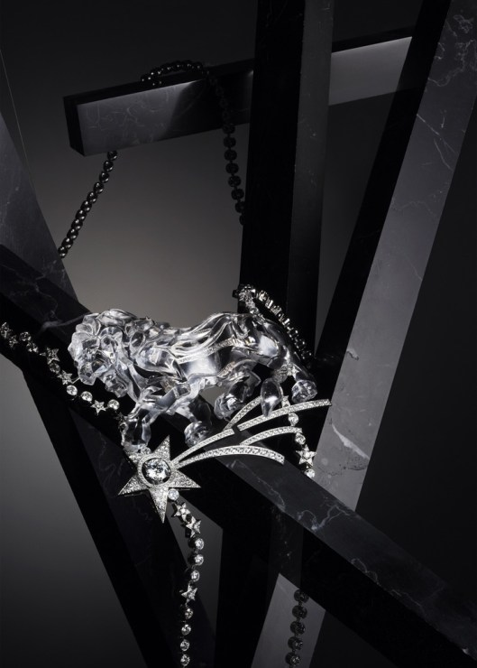 Necklace in 18k white gold, rock crystal and diamonds,