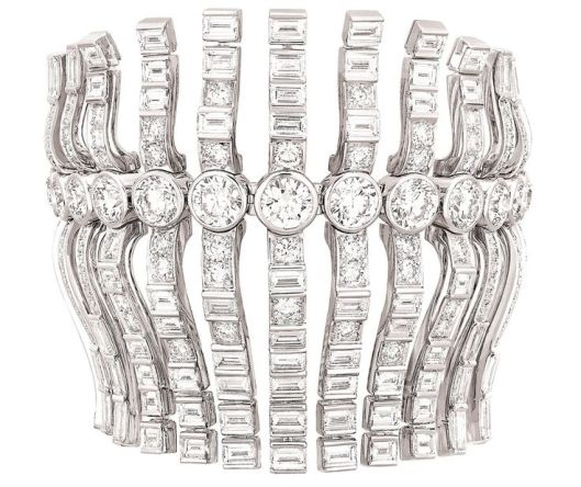 Cuff in 18k white gold and diamonds.
