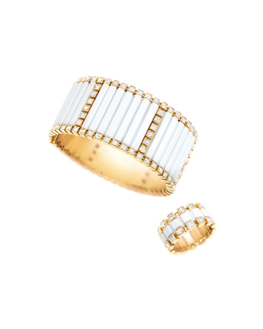 Tiffany white agate bracelet and square ring with diamonds in 18 karat yellow gold