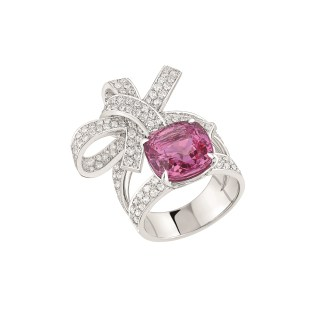 "Les Intemporels de Chanel. ""Ruban"" ring in 18K white gold set with an 8-carat cushion-cut pink sapphire and 174 brilliant-cut diamonds for a total weight of 1.8 carat."