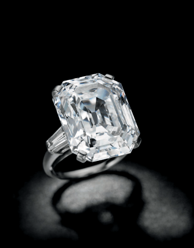 Rectangular-cut E colour, VVS2 Diamond Ring.