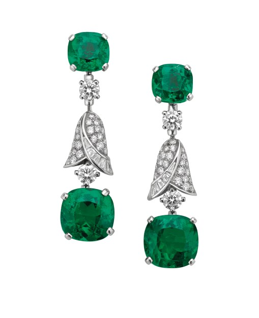 High Jewellery earrings in white gold with 4 cushion shaped Colomban emeralds (4.87 ct – 4.80 ct – 2.28 ct – 2.21 ct), 4 brilliant cut diamonds (0.85 ct) and pavé diamonds (0.96).