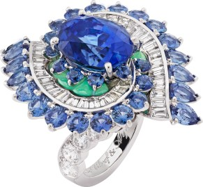 Mer des Etoiles Ring. White gold, round and baguette-cut diamonds, round and pear-shaped sapphires, chrysoprase, one oval-cut sapphire of 7.29 carats (Sri Lanka).