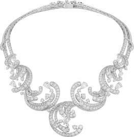 Pangée Necklace. Necklace, white gold, round and pear-shaped diamonds.