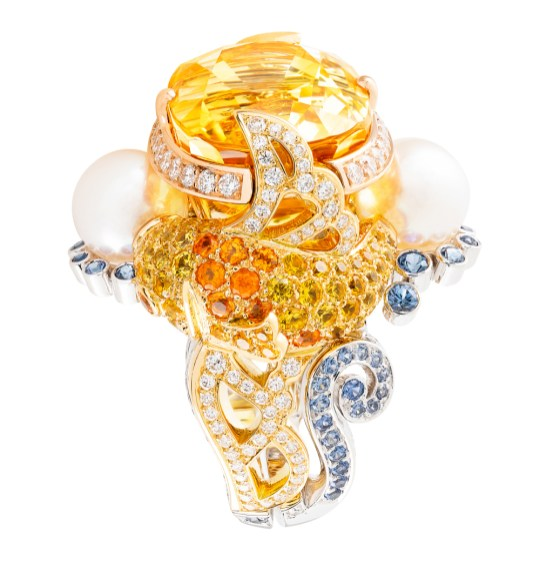 Inspiration came with this ring from the Palais de Chance collection.