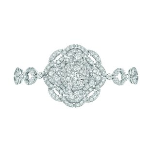 """""""Secrète"""" bracelet in 18K white gold set with 289 brilliant-cut diamonds for a total weight of 4.9 carats. CHANEL Joaillerie"""