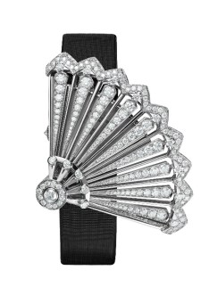 Heures Créatives - Heure Discrète diamonds and black satin strap, closed.