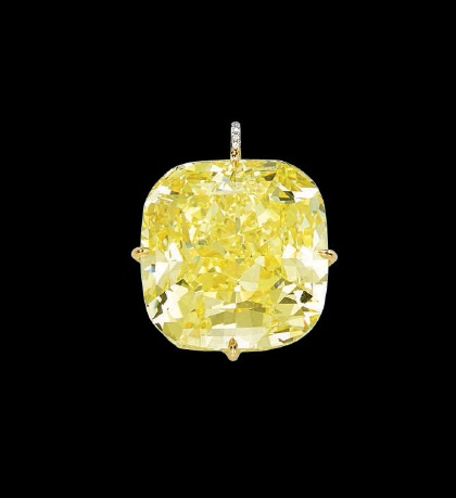 An important coloured diamond pendant
