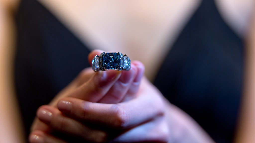 Pratinjau Penjualan Perhiasan Sotheby's The Sky Blue Diamond