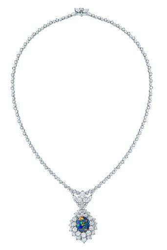 majestueuse-opal-necklace