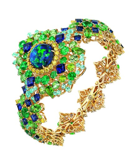captivante-opal-high-jewellery-timepiece-1