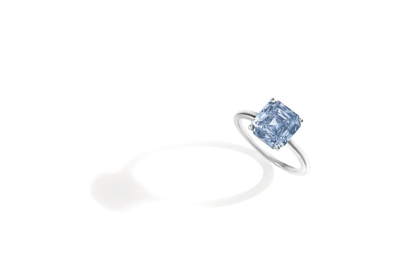 A Coloured Diamond Ring, 4.05 carats, Fancy Deep Blue, VS1