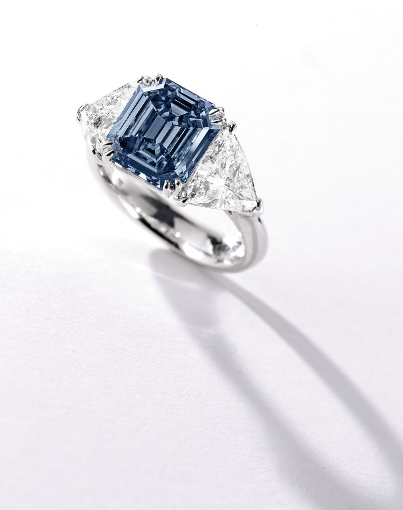 Lot 363A- Fancy Vivid Blue 3.32 carats- Sotheby's Geneva 16 May 2017