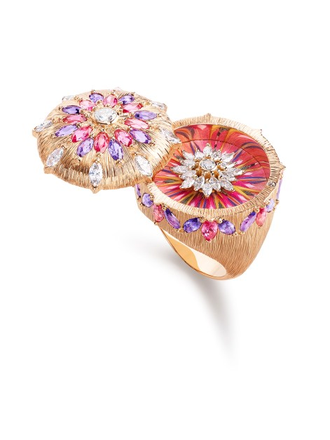Viva l'Arte Ring - open. Ring in 18k pink gold set with red spinels, purple sapphires and diamonds. Feather marquetry.