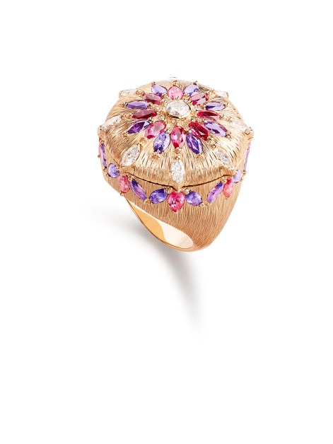Viva l'Arte Ring - closed. Ring in 18k pink gold set with red spinels, purple sapphires and diamonds. Feather marquetry.