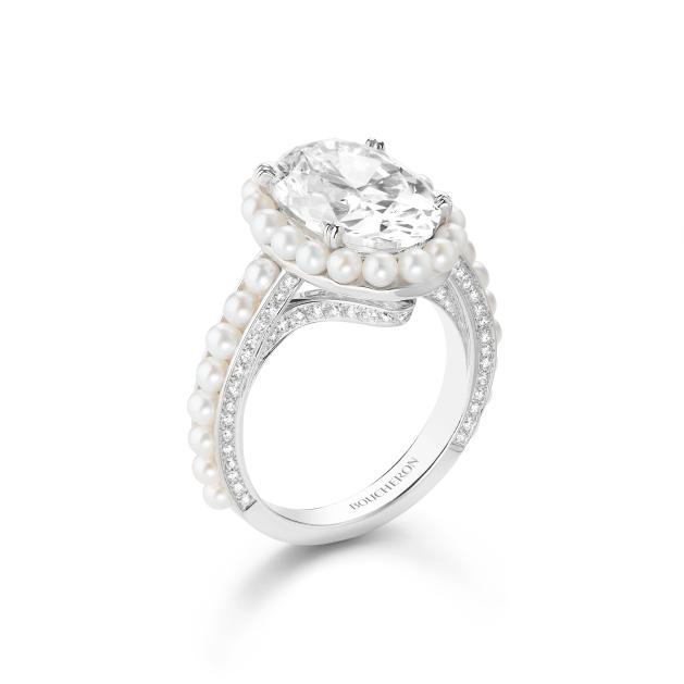 Boucheron Banquise ring
