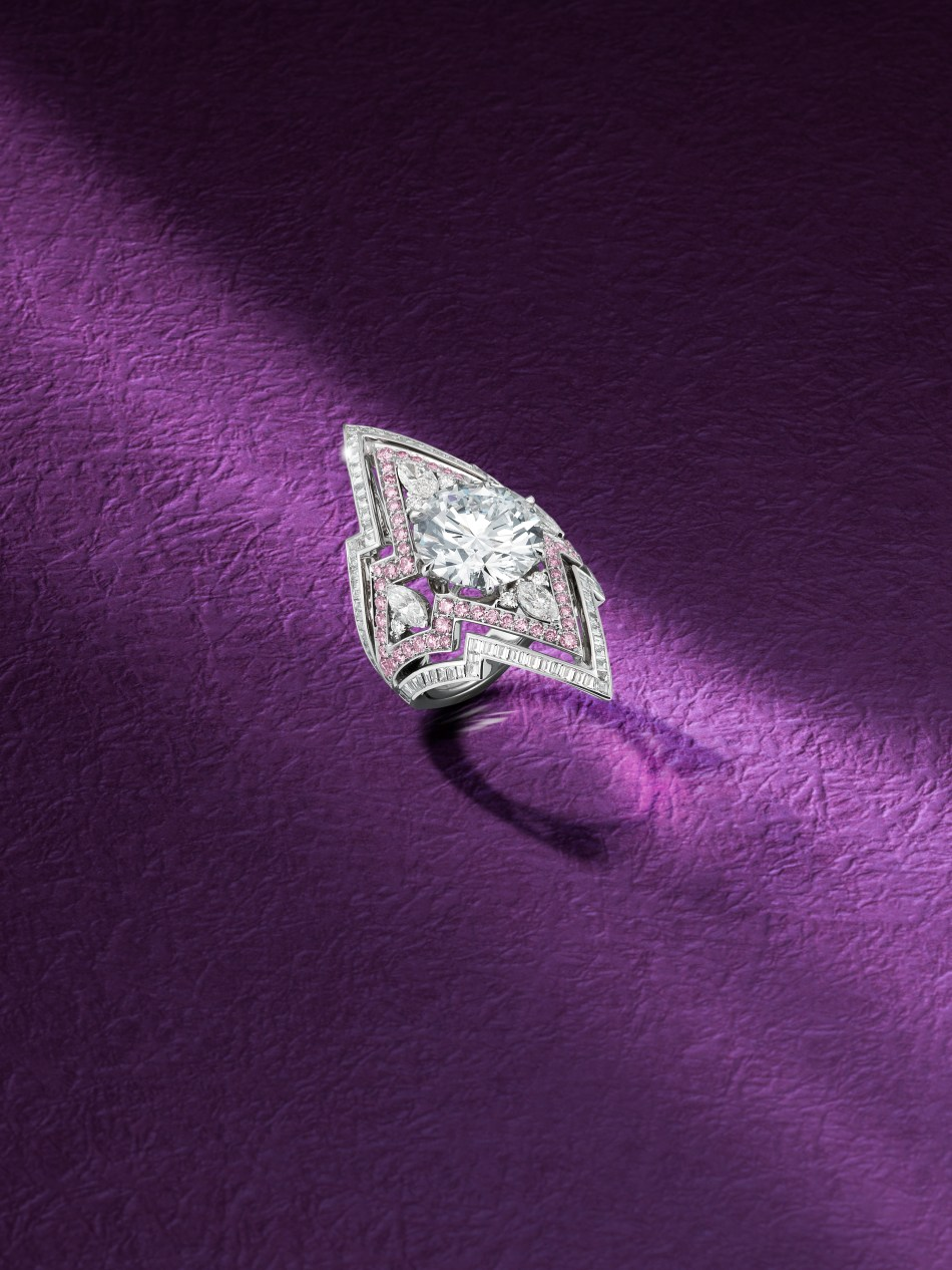 Bonhams A 10.03 carat Diamond and Coloured Diamond ring by Stephen Webster