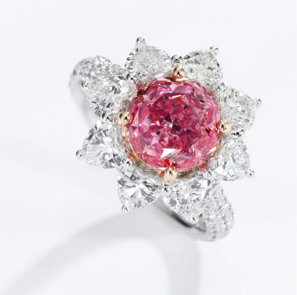 Superb fancy vivid purplish pink diamond ring