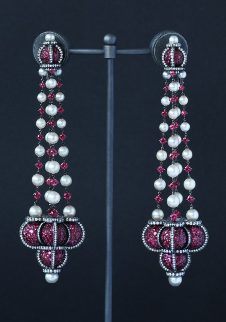 Nadia Morgenthaler - Spinel Natural Pearls & Diamonds