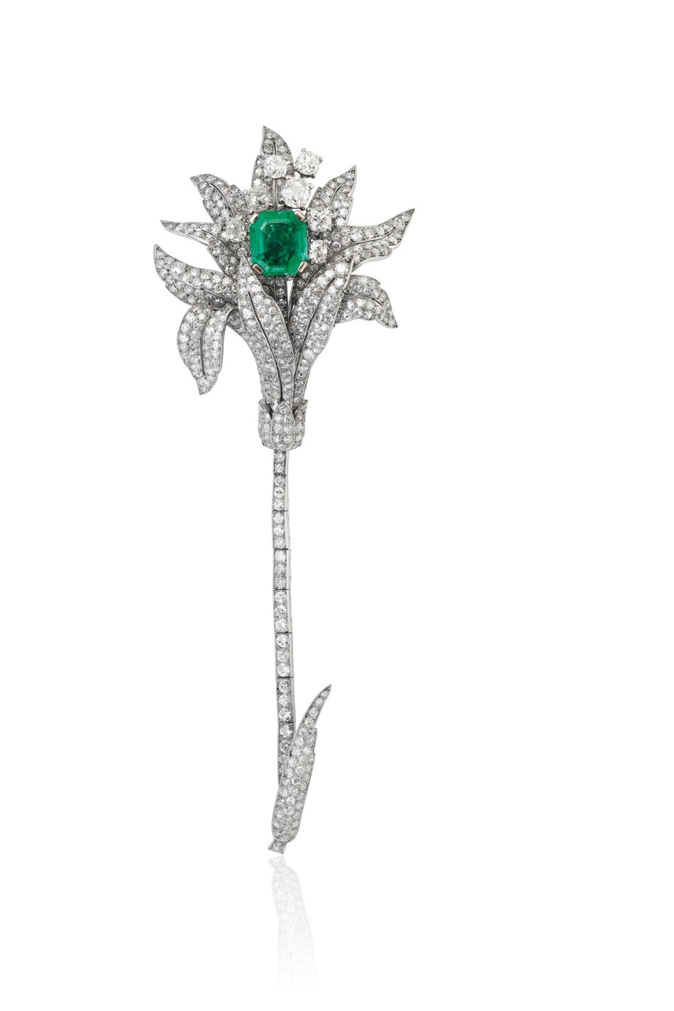 MID-20TH CENTURY EMERALD AND DIAMOND BROOCH, CARTIER