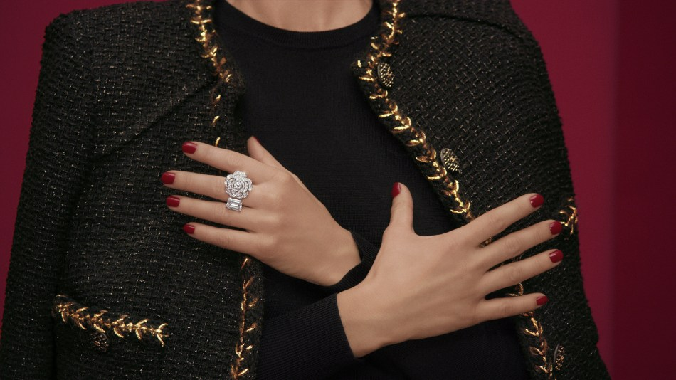 Chanel 1.5 - 1 Camélia, 5 Allures High Jewellery Collection. Contraste Blanc Ring