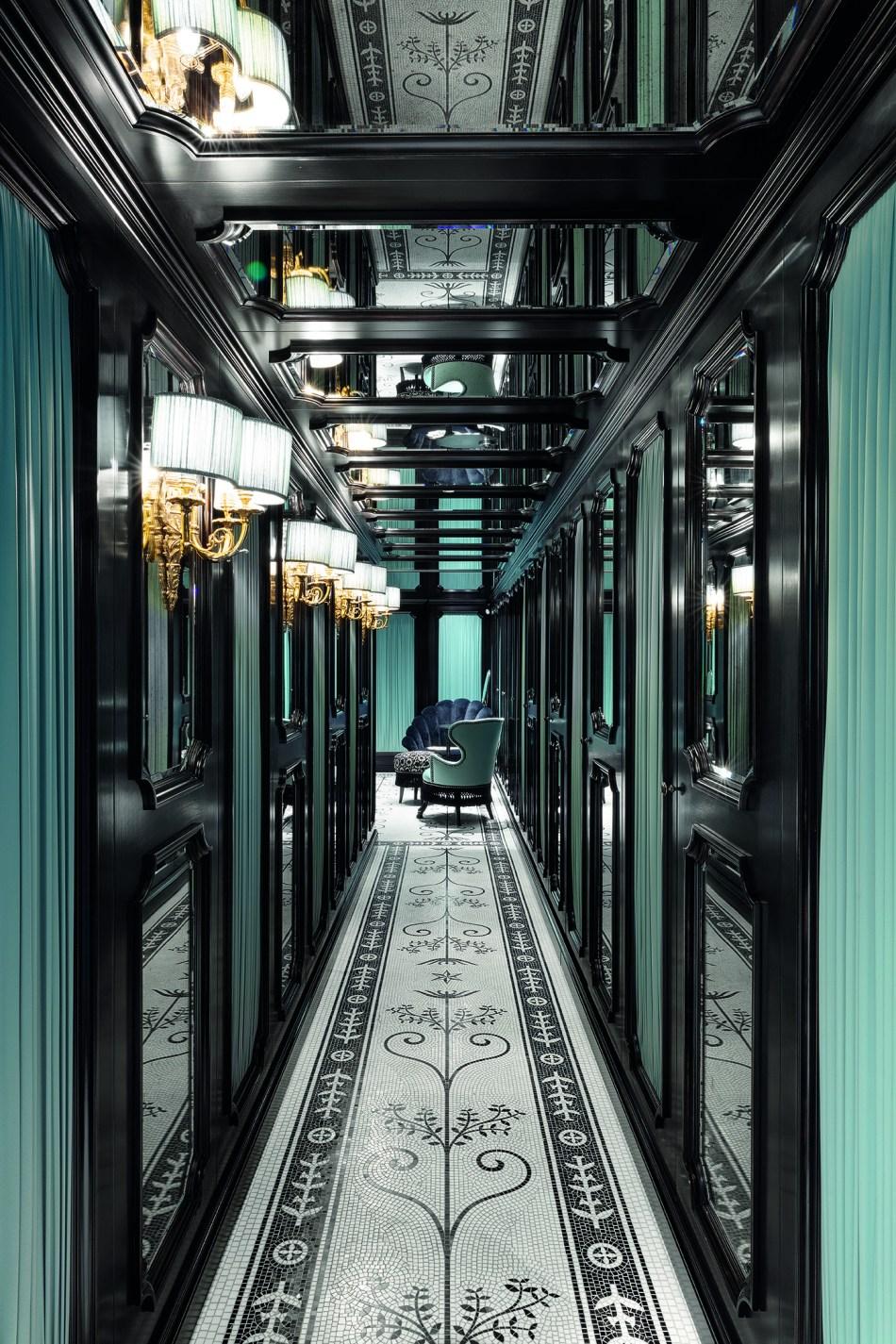 Gucci boutique in Place Vendôme Paris