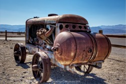 Stovepipe Wells, Death Valley, California.