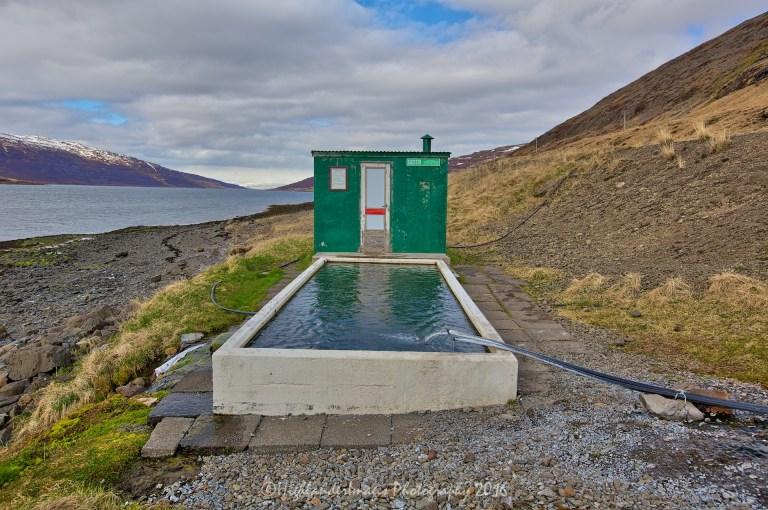 Hot tub at Mjóifjörður near Heydalur, Iceland