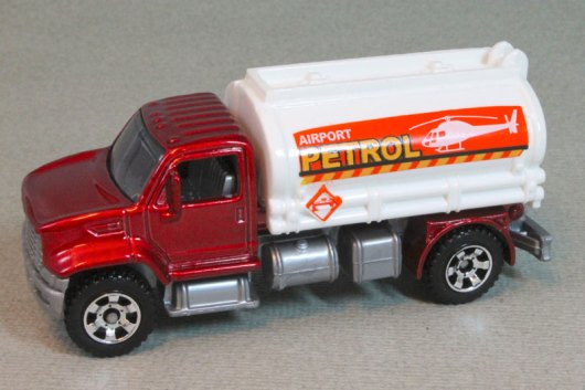 MB695 Utility Truck